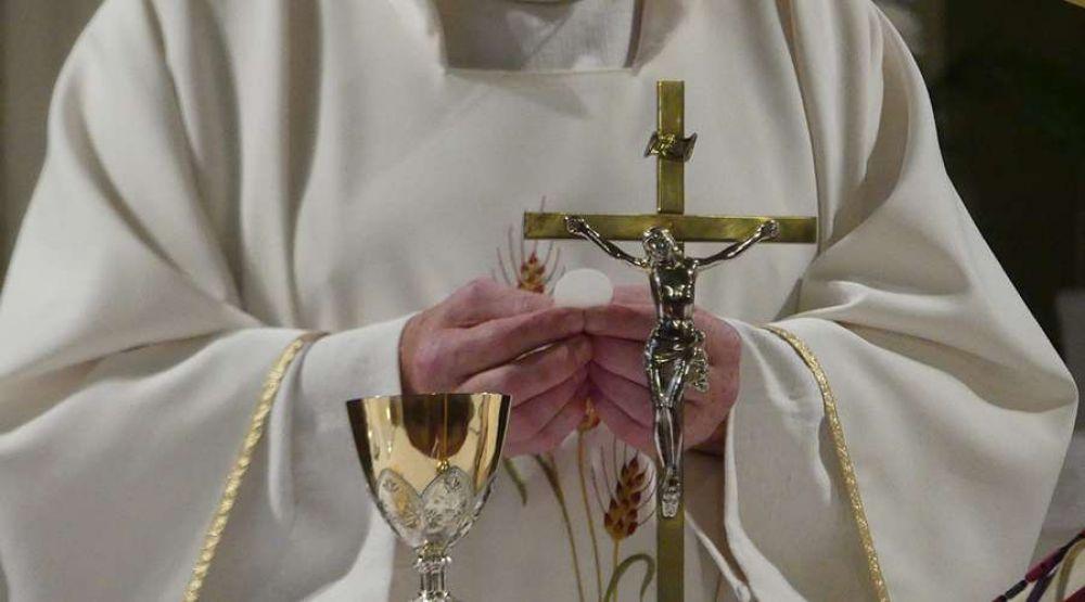 8 ideas para vivir la Santa Misa con devoción desde casa