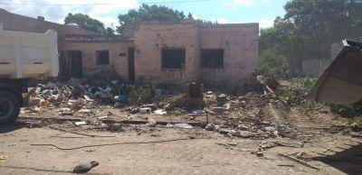 Intensos operativos de limpieza en espacios públicos y viviendas