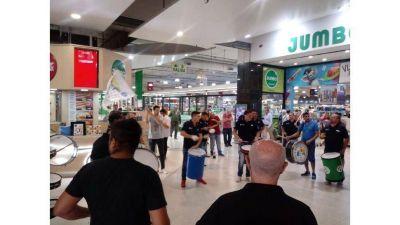 Empleados textiles denunciaron a Unicenter por no respetar la emergencia sanitaria