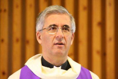 Este obispo ya curado explica cómo se siente el enfermo por coronavirus