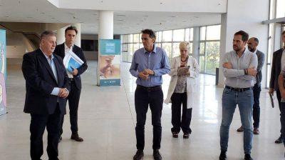Katopodis recorrió el Hospital Favaloro de La Matanza que se reactiva para afrontar la pandemia