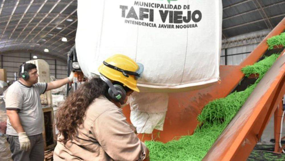 Tafí Viejo: procesan residuos para fabricar cartón