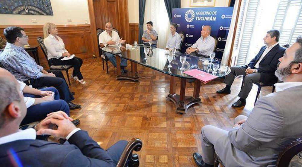 Manzur evalúa el cumplimiento del aislamiento social junto a su Gabinete