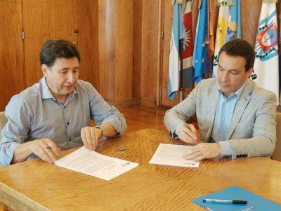 Florencio Varela: Arroyo firmó convenio con Watson por fondos para compra de alimentos