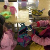 Las escuelas entregarán bolsones en Mendoza y los directivos temen por su seguridad