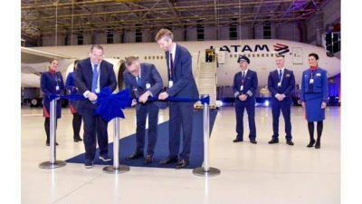 Sindicatos aeronáuticos rechazan reducción de salarios en Latam