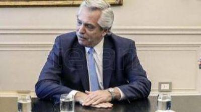 Fernández impone dinámica en Olivos con reuniones, videoconferencias, instrucciones y monitoreo