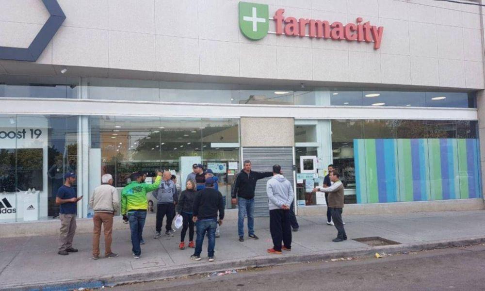 Farmacity y el depósito secreto de alcohol en gel del millón de pesos
