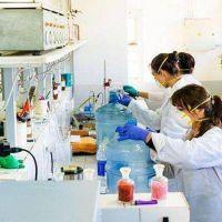 La Municipalidad de Ushuaia entregó más de 600 litros de alcohol desinfectante