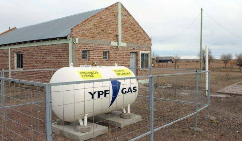 La Provincia sostiene el normal abastecimiento de gas en comisiones de fomento y parajes