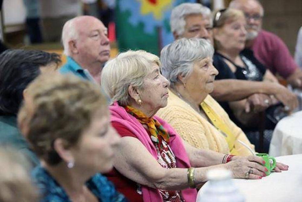 La Municipalidad de La Costa puso en marcha un dispositivo de asistencia para adultos mayores