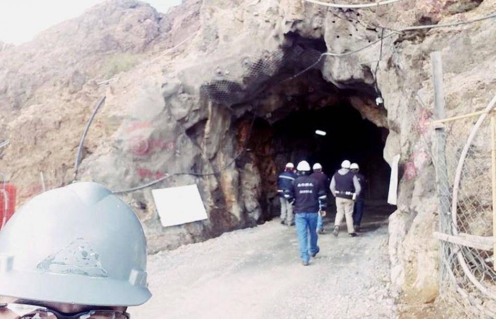 """Sindicato de mineros exigió el cierre """"inmediato"""" de todos los yacimientos"""
