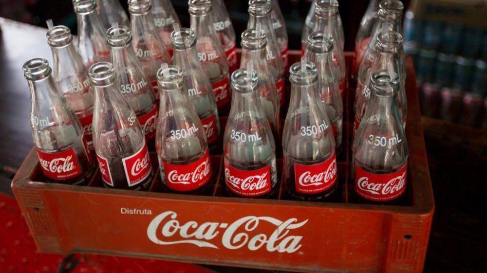 Coca Cola HBC ajustará costes e inversión por el Covit-19, pero mantiene el dividendo