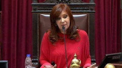 Cristina Kirchner empezó a llamar a los intendentes bonaerenses para preguntarles cómo enfrentan el coronavirus en sus municipios