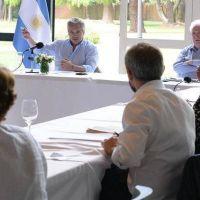 La UIA y la CGT proponen que trabajen más sectores durante la cuarentena para evitar la debacle económica