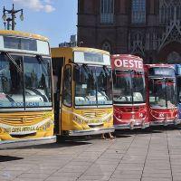 Los trabajadores de la salud viajarán gratis en el transporte público en La Plata