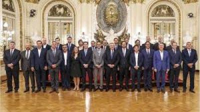 Ya son ocho los gobernadores que se bajaron el sueldo en medio de la cuarentena
