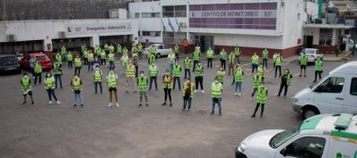 Lanús: 100 voluntarios municipales ayudan a coordinar las filas en los cajeros automáticos