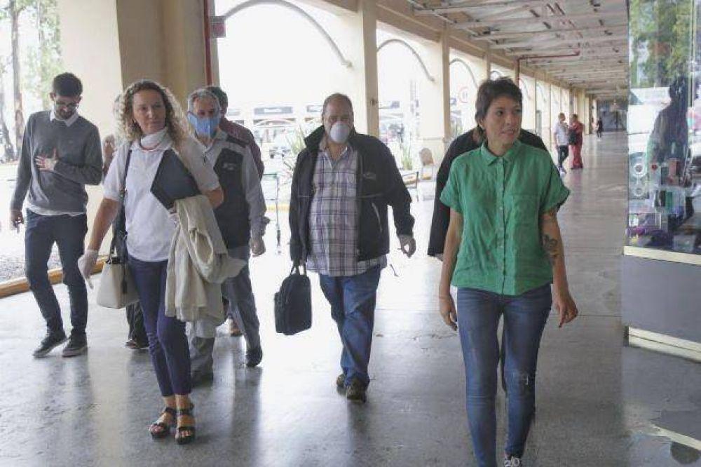 Mayra Mendoza recibió a personal de la AFIP que controló precios en el Jumbo Calchaquí