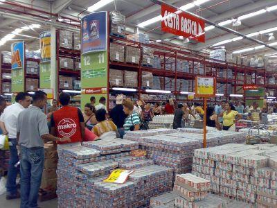 Comercio acordó un pago extra de 5.000 pesos para personal de mayoristas