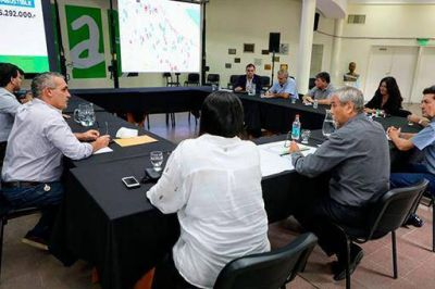 Segunda reunión de Ferraresi con sectores políticos y sociales de Avellaneda