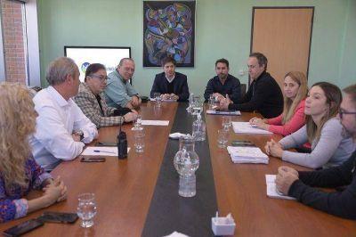 Axel Kicillof y Sergio Berni, se reunieron con el comité de emergencia de Ituzaingó