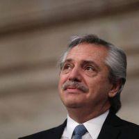 """Alberto Fernández, enojado por las colas del viernes, apuntó contra el sector bancario: """"La dureza de los bancos me cae muy mal; estuvieron cuatro años llenándose de plata"""""""