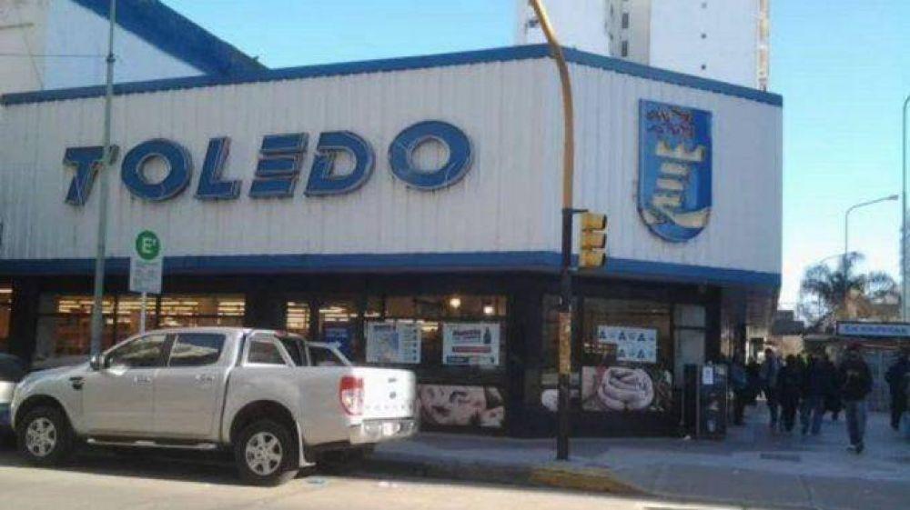 Denuncian que Toledo no paga bono a empleados y remarca precios
