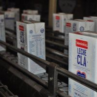 Santa Fe: Empresa de lacteos ofrece pagar sueldos de los trabajadores en 4 cuotas