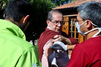 El municipio vacunó a más de 800 adultos mayores