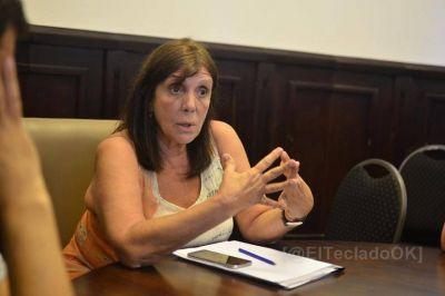 """Teresa García: """"Trabajamos para fortalecer el estado y cuidar la salud de los vecinos en la crisis"""""""