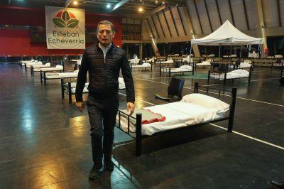 Fernando Gray recorrió el Centro de Atención para Enfermos Leves de Covid-19