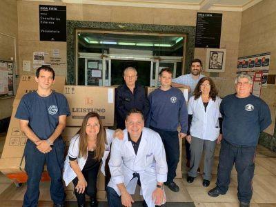 El gobierno de la provincia entregó camas, respiradores e insumos varios en hospitales de Lanús