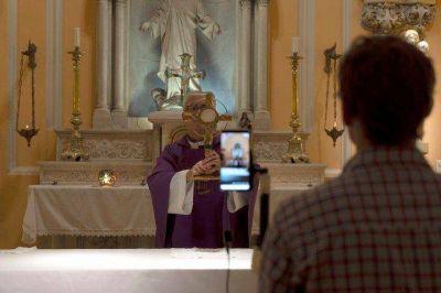 Coronavirus en Argentina: las religiones apelan a la tecnología para seguir cerca de sus fieles