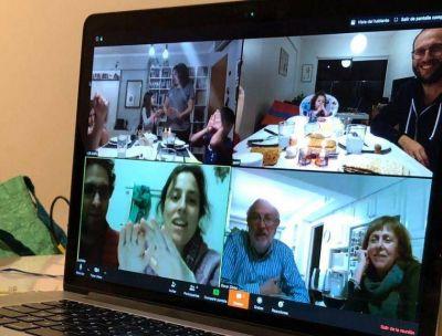 Cómo comparten las familias judías la celebración de Pesaj con el aislamiento
