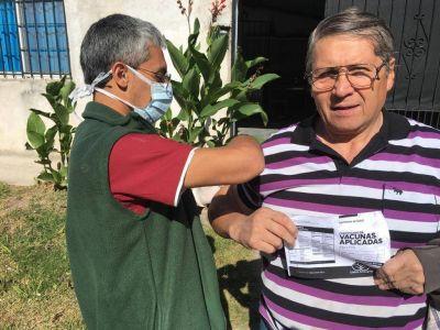 El municipio de Esteban Echeverría vacunó a más de 1200 adultos mayores
