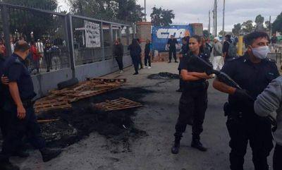 Desafectaron a policías que reprimieron a trabajadores de un frigorífico en Quilmes