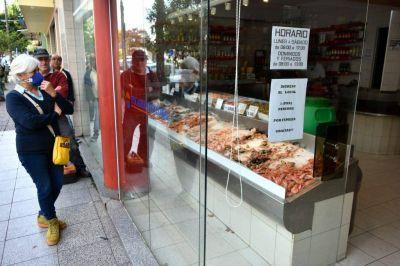 Caen las ventas en las pescaderías pero hay un leve repunte por Semana Santa