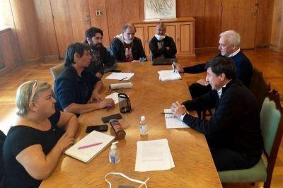Tras la disputa por los alimentos, Arroyo suma a organizaciones sociales al Comité de Crisis