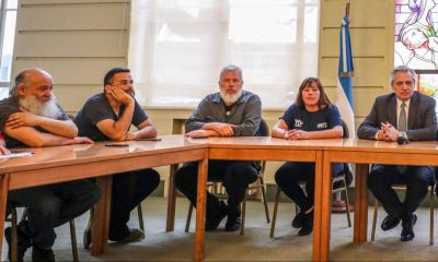 La crisis agita la tensión a tres bandas con las organizaciones sociales