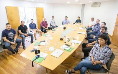 Axel Kicillof se reunió con Mayra Mendoza y otros intendentes