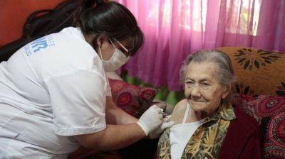 El Municipio de Almirante Brown ya vacunó a más de 20 mil abuelos
