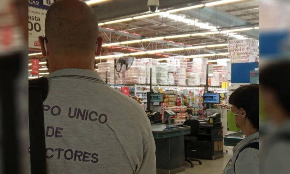 Más de cien empleados de Carrefour fueron aislados tras el caso positivo de COVID-19