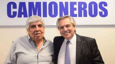 Otro guiño para Moyano: Alberto Fernández analiza bajar fondos para la recolección de residuos