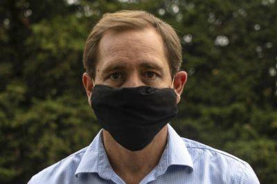 Garro decretó el uso obligatorio de máscaras de protección facial para circular por la vía pública