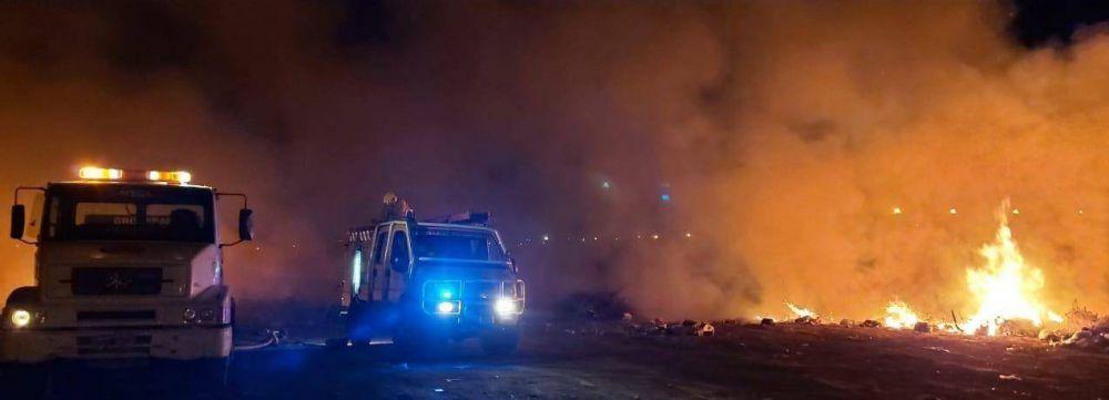Quema de pastizales y basura provocó un incendio