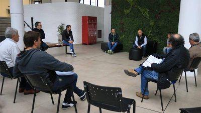 Grindetti encabezó, junto a concejales y consejeros escolares, una reunión del Comité de Emergencias