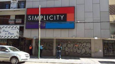 El Municipio clausuró la perfumería Simplicity de Monte Grande
