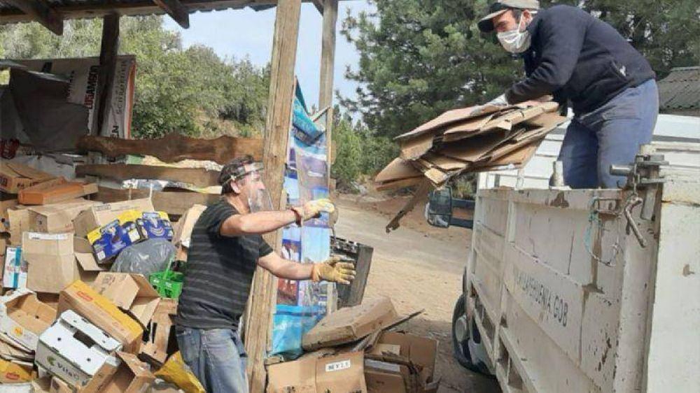 Villa Pehuenia y Moquehue separan residuos para reciclar en cuarentena