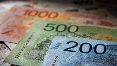 Tasas de plazos fijos suben 10 puntos desde el lunes: ¿conviene poner la plata en un banco?